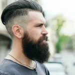 Forfora nella barba da cosa è causata e come si cura