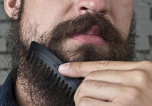 Pettinare la barba i migliori consigli