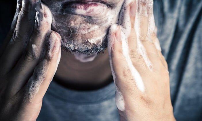 Barba riccia come lavarla