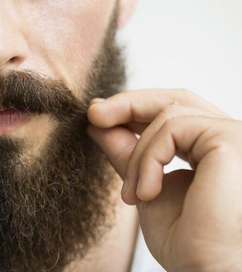 Barba ricci i trucchi per renderla più morbida