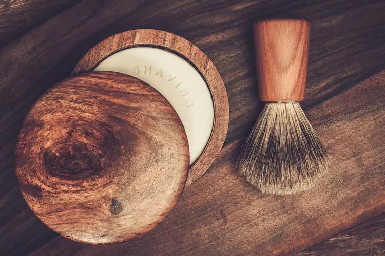 Sapone da barba le differenze con la crema da barba