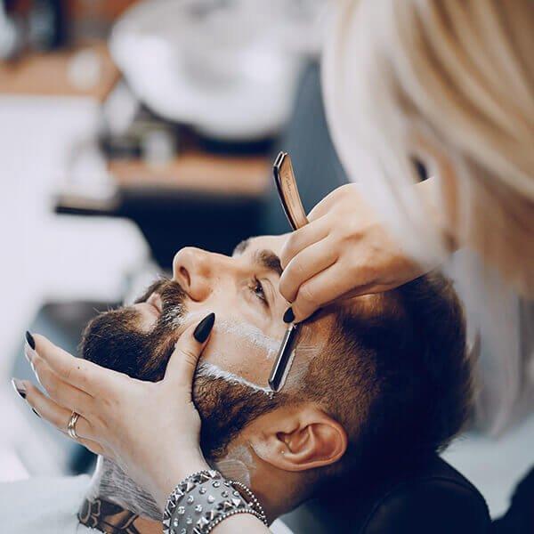 Cura della barba perché scegliere la rasatura tradizionale
