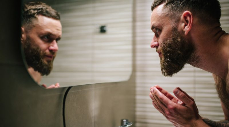 come eliminare i cattivi odori dalla barba