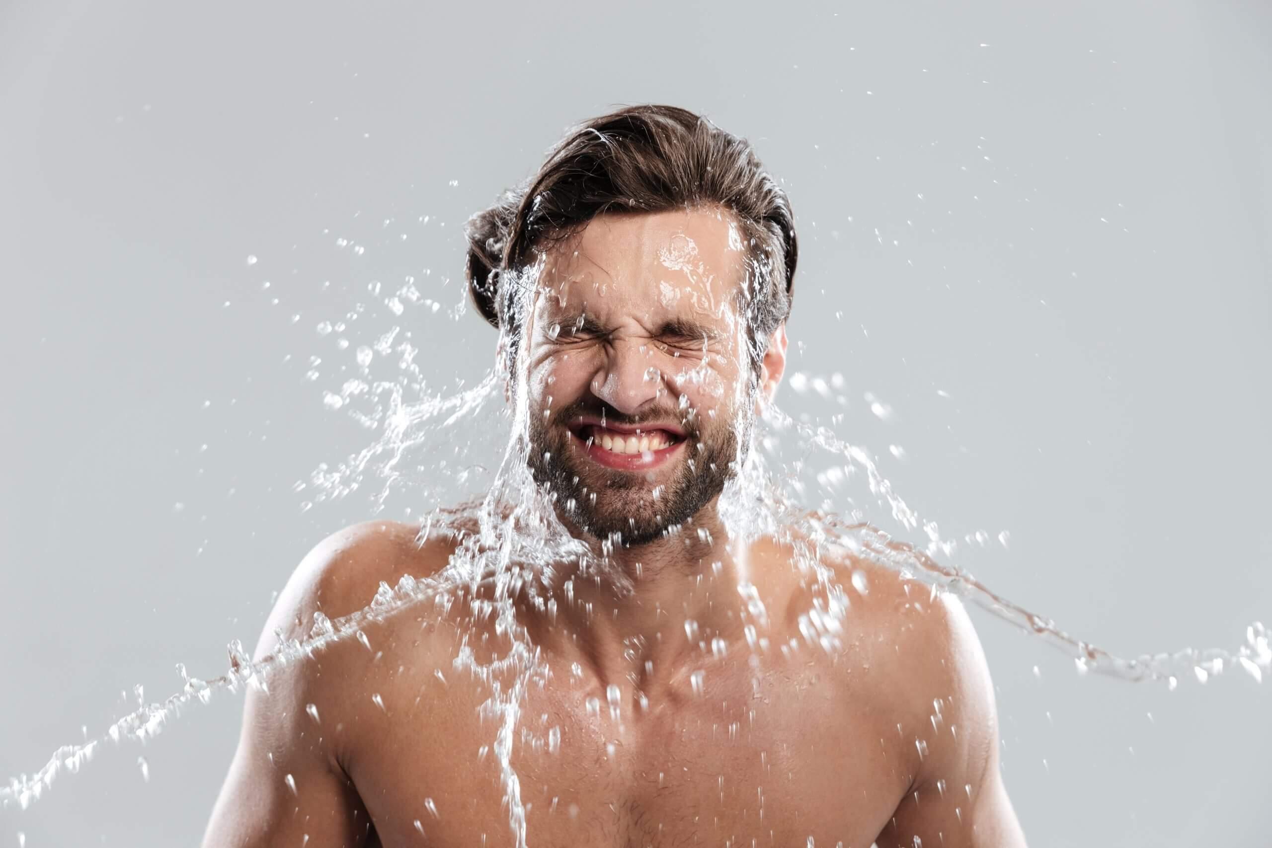 detergente viso da uomo