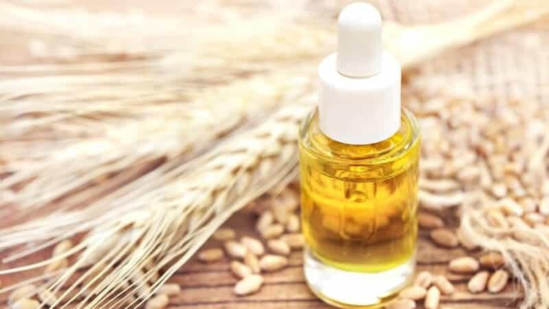 la vitamina E contribuisce alla crescita della barba